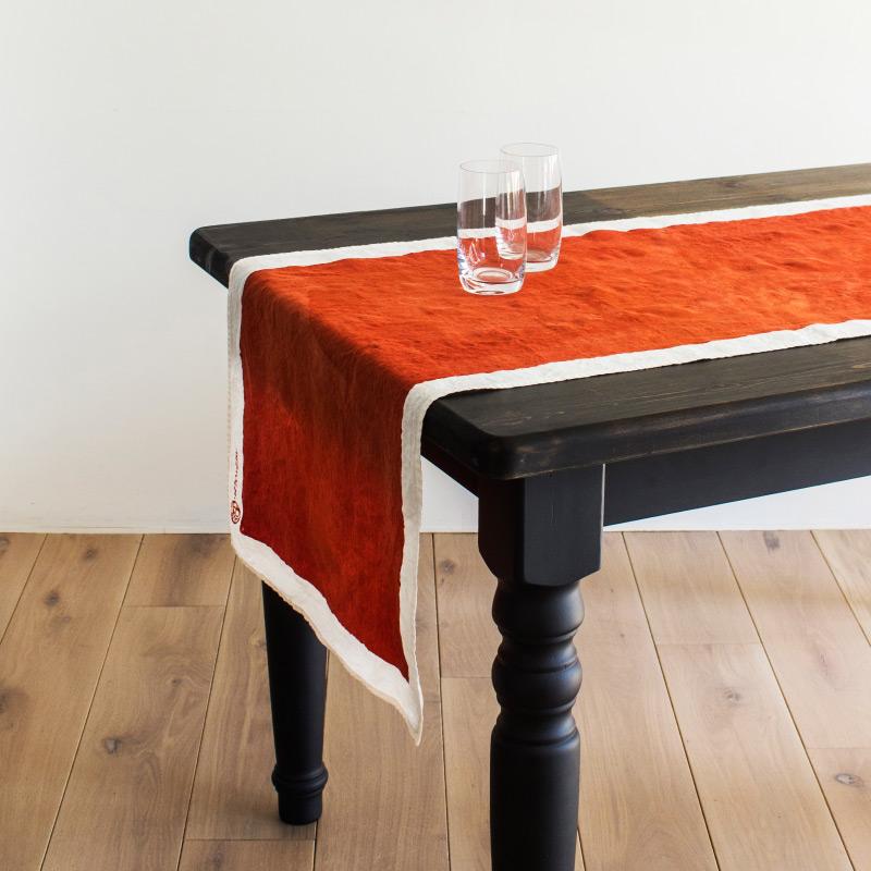 ベルトッツィ テーブルランナー _ テーレ ピエノ コッチョ