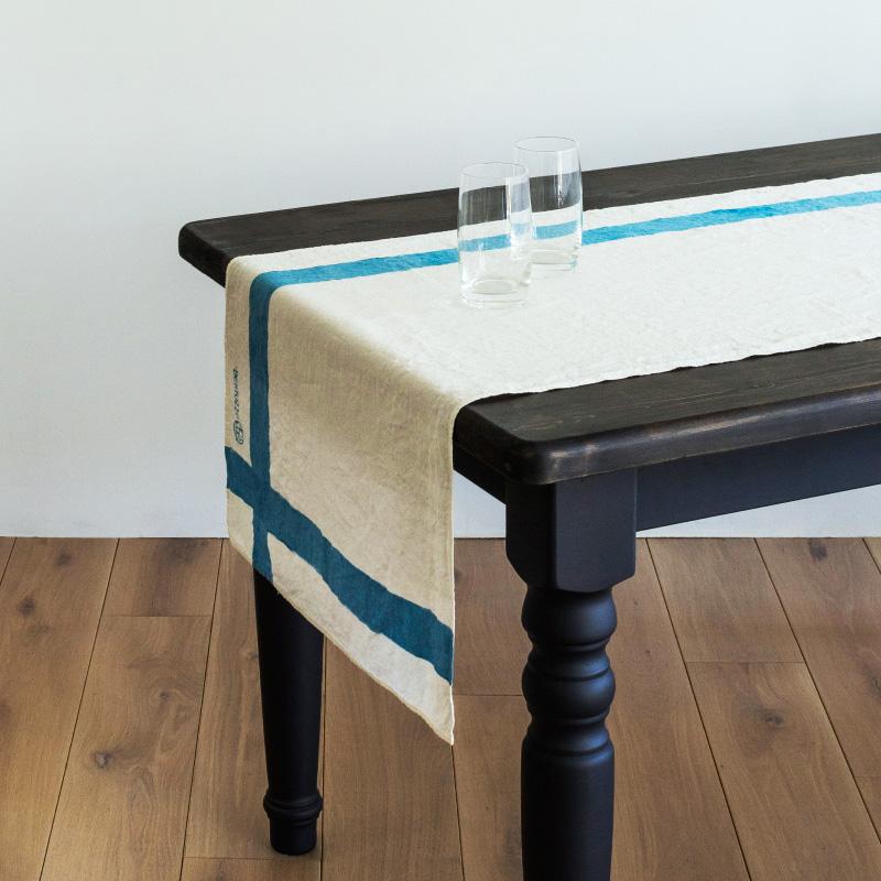 ベルトッツィ テーブルランナー _ インクローチョ