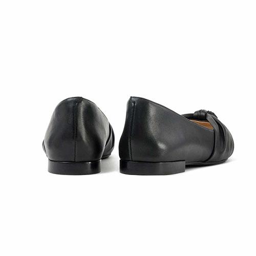 羊革 ポインテッドパンプス(フラットヒール) ブラック