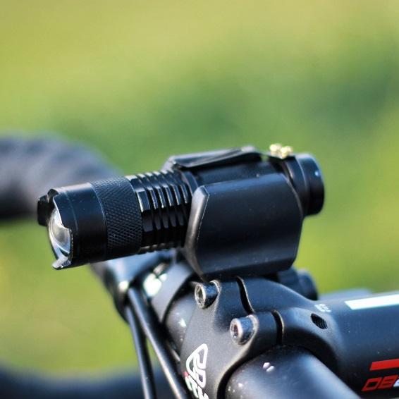 ライト用ハンドル取付マウント あらゆるハンドル径や形状に。エアロハンドル対応。