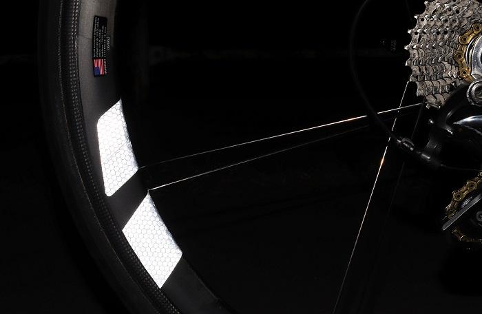 『WHEEL REFLECTOR』マイクロプリズム高輝度再帰性反射 ホイールステッカー  1台分8枚セット