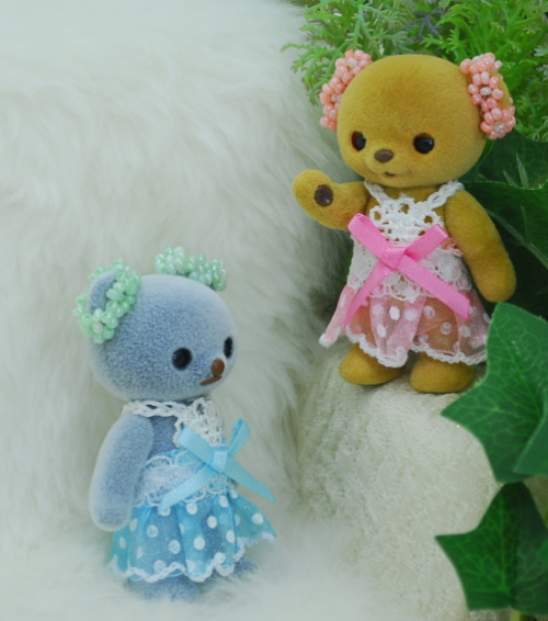 【ハンドメイド/まるしぇらぱん】 ハニーベア女の子スカートセット 【両耳飾りビーズタイプ】
