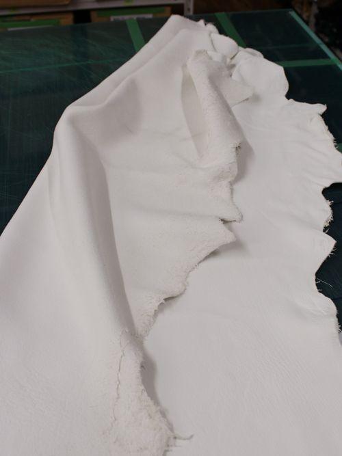 鹿革【丸革】1.8mm/エルクスキン/純白 [協進エル]