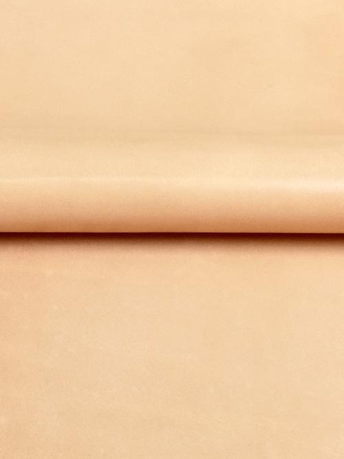 牛ヌメ革【30cm幅】栃木レザー/サドル/ナチュラル