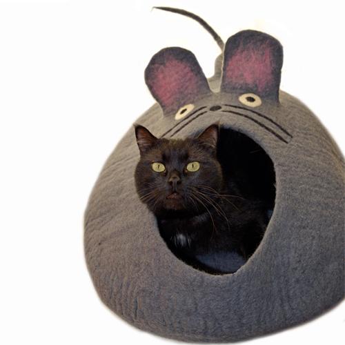 ★半額★ ネズミちゃん型 お洒落な『 ペットハウス 』ウール100%フェルト製、ハンドメイドでひとつひとつ丁寧に作りました ♥愛犬・愛猫が入った姿が超可愛い♥ 【送料無料】※返品・交換不可