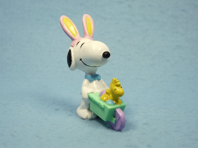 ビンテージ Whitman's 90' スヌーピー PVC フィギュア Easter  手押し車