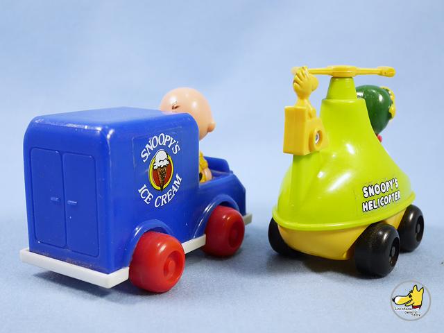 ビンテージ Aviva '77  スヌーピー Push  N'  Pull Toy  4個セット