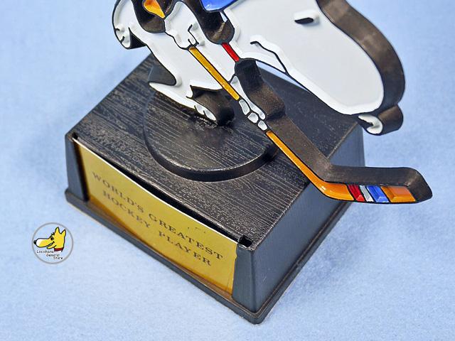 ビンテージ Aviva 1970〜80's スヌーピー トロフィー WORLD'S GREATEST HOCKEY PLAYER