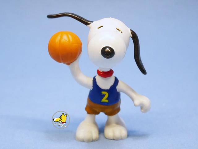 ビンテージ Determined '81 スヌーピー フィギュア PVC バスケットボール