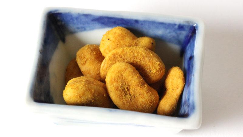 豆菓子を作り続けて100年の老舗「冨士屋製菓」が作る【ピリ辛3種豆】【送料無料)