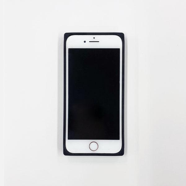 【AG004】iPhone7/8/SE(第2世代) ハードケース(トム マルチ/TOM Multi)