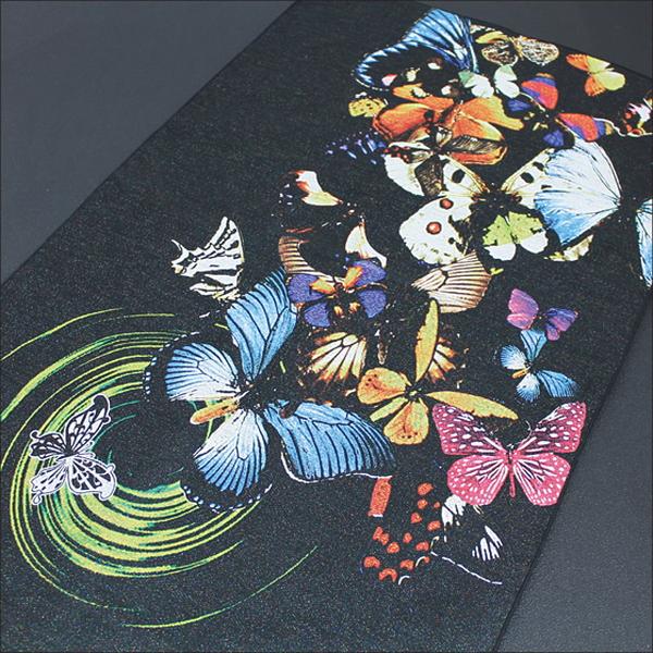 幻想的な蝶のマルチクロス(写真ジャカード織)