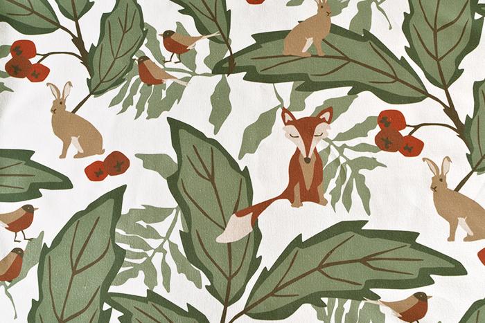 【生地】アルビッドソンズ・テキスタイル/ARVIDSSONS TEXTIL skogens vanner キツネの森 10cm単位 ■