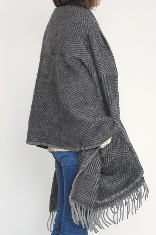 LAPUAN KANKURIT/ラプアン カンクリ MARIA/マリア ウールショール ポケット付き