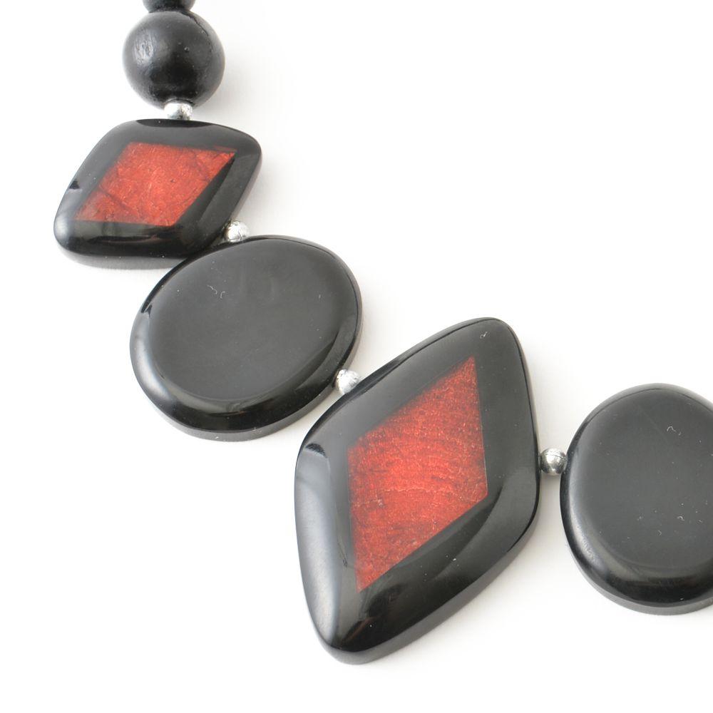 天然素材 ブラックレッドの個性的ウッドネックレス N