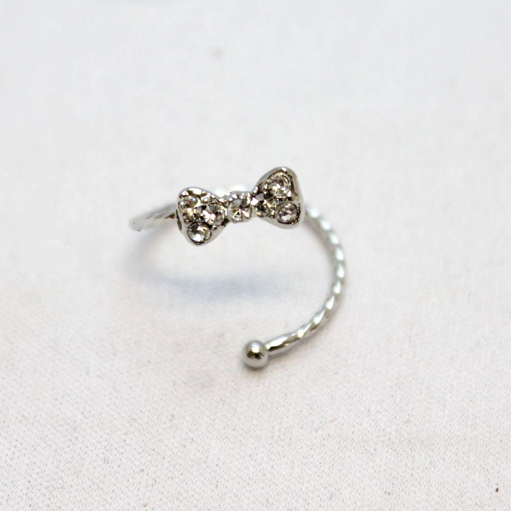 キラキラりぼんのデザインリング 指輪