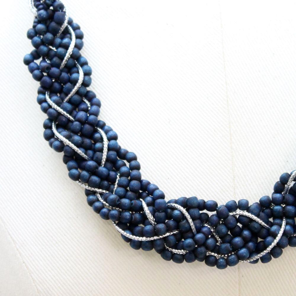 天然素材 ウッドビーズの編み込みネックレス N