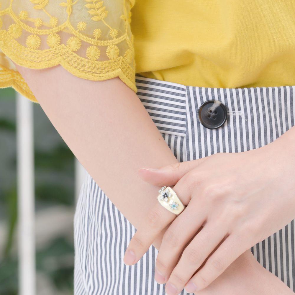 指輪 レディース フリーサイズ 花 モノクロ 南国 メタル ストレッチリング N