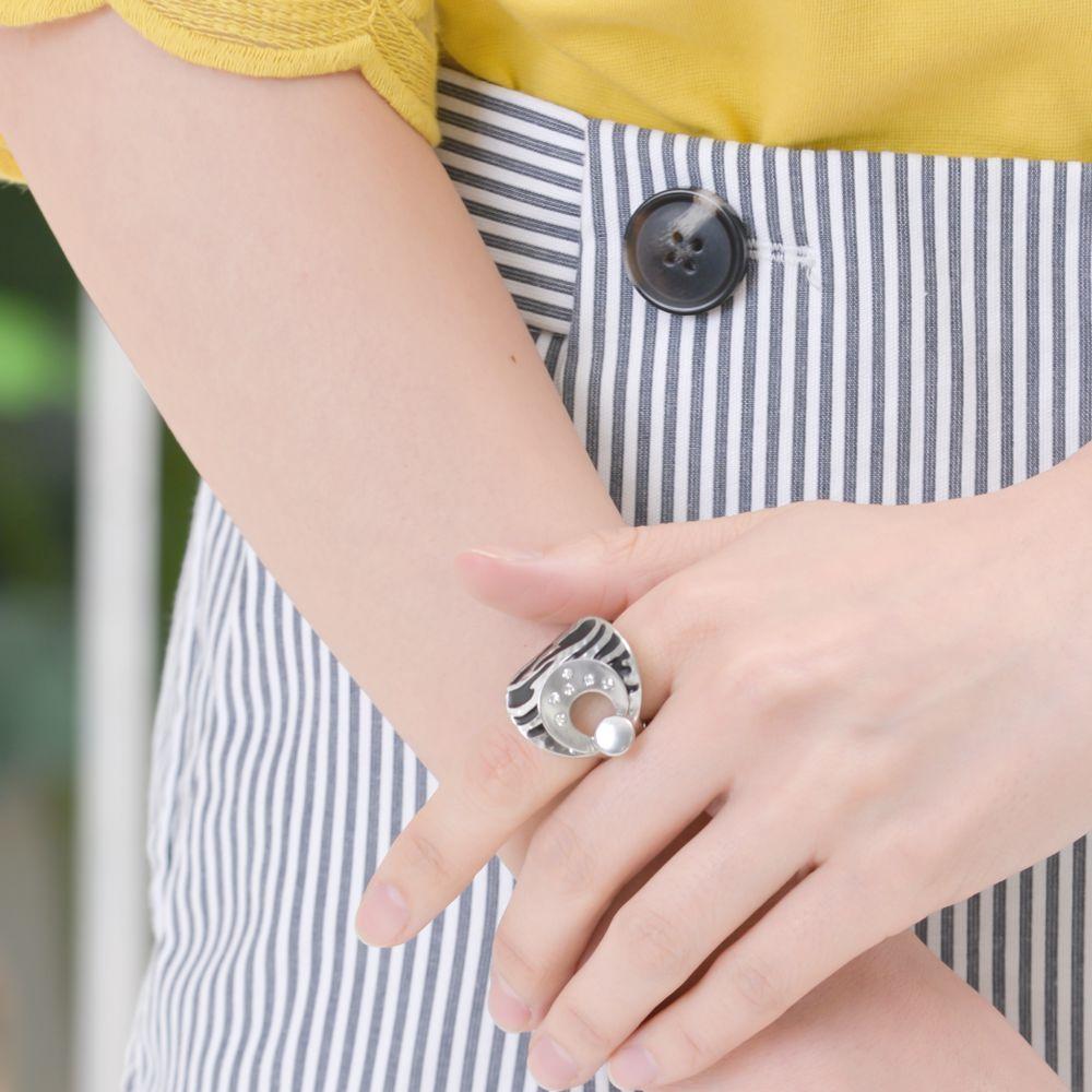 指輪 レディース フリーサイズ ゼブラ柄 ラインストーン メタル ストレッチリング N