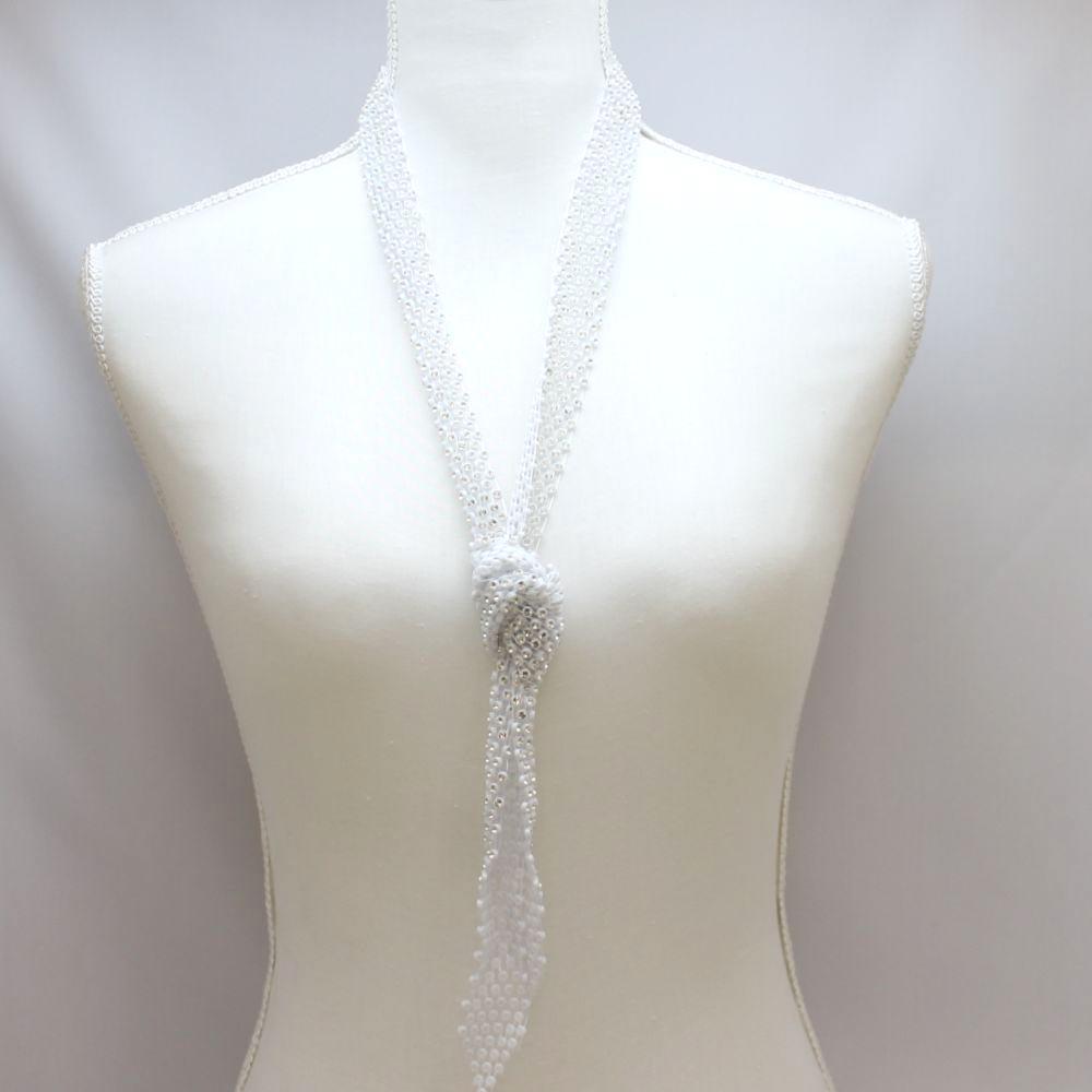ビジュネクタイデザインのネックレス