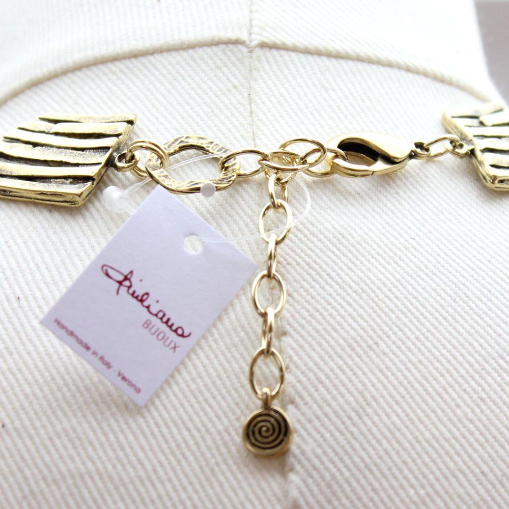 イタリア 台形モチーフのメタルネックレス 2色