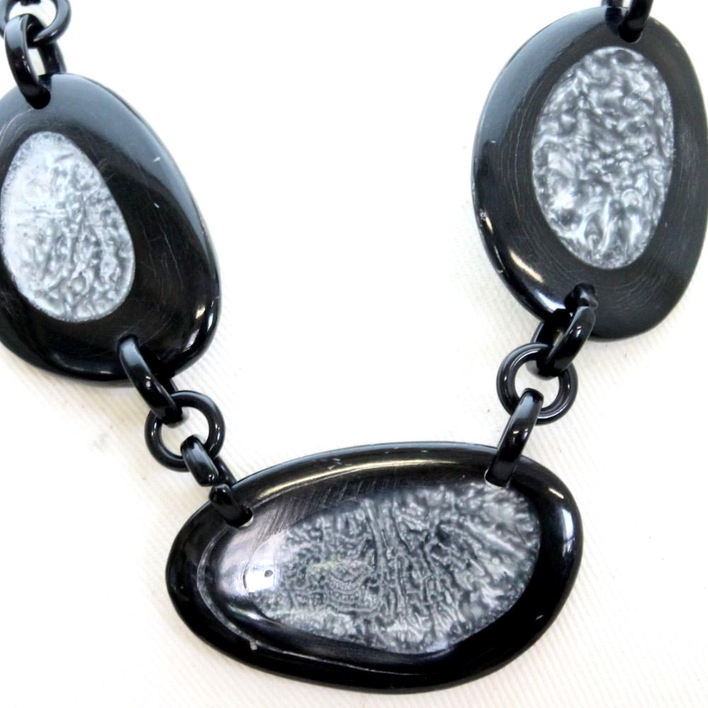 天然素材 モノトーンのデザインネックレス N