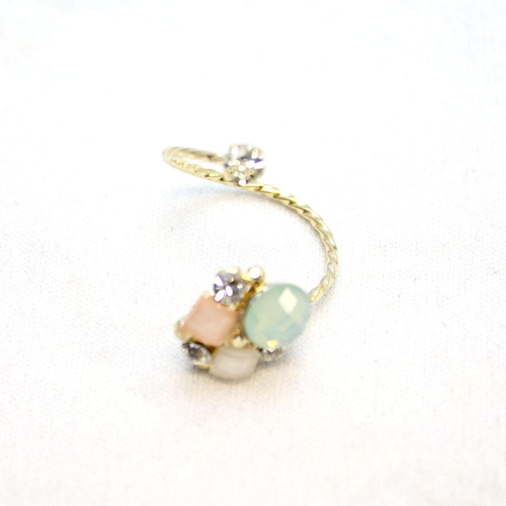 パステルカラーのデザインリング 指輪