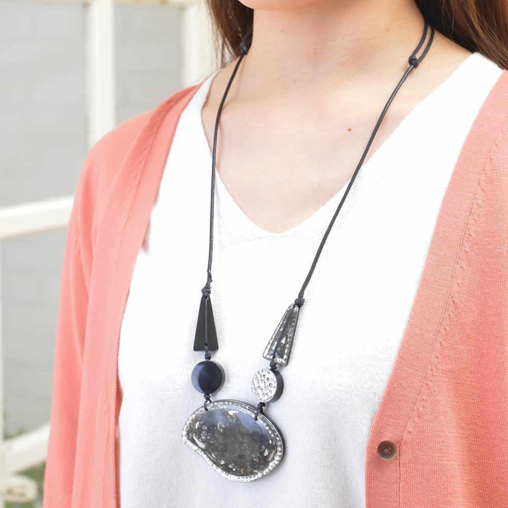 天然素材 ブラックトーンのデザインネックレス N