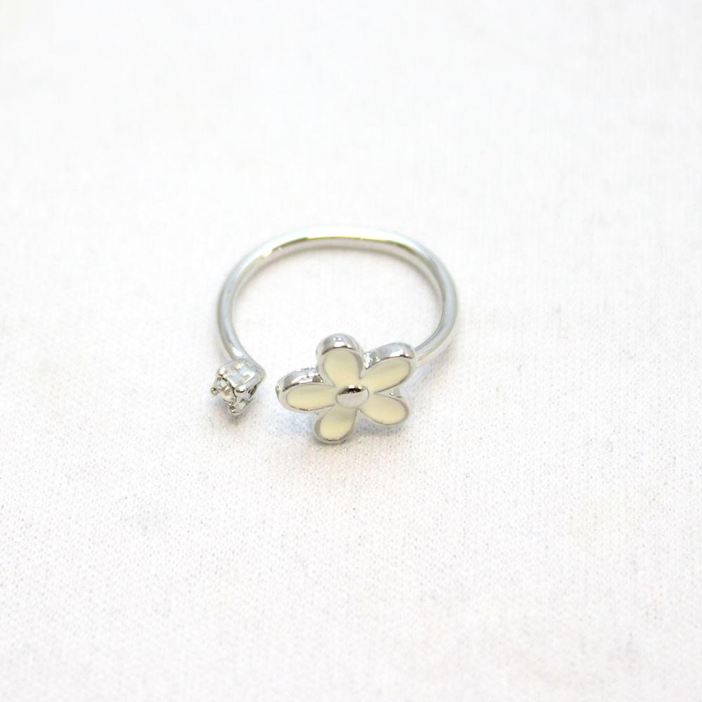 花とパールのデザインリング 指輪