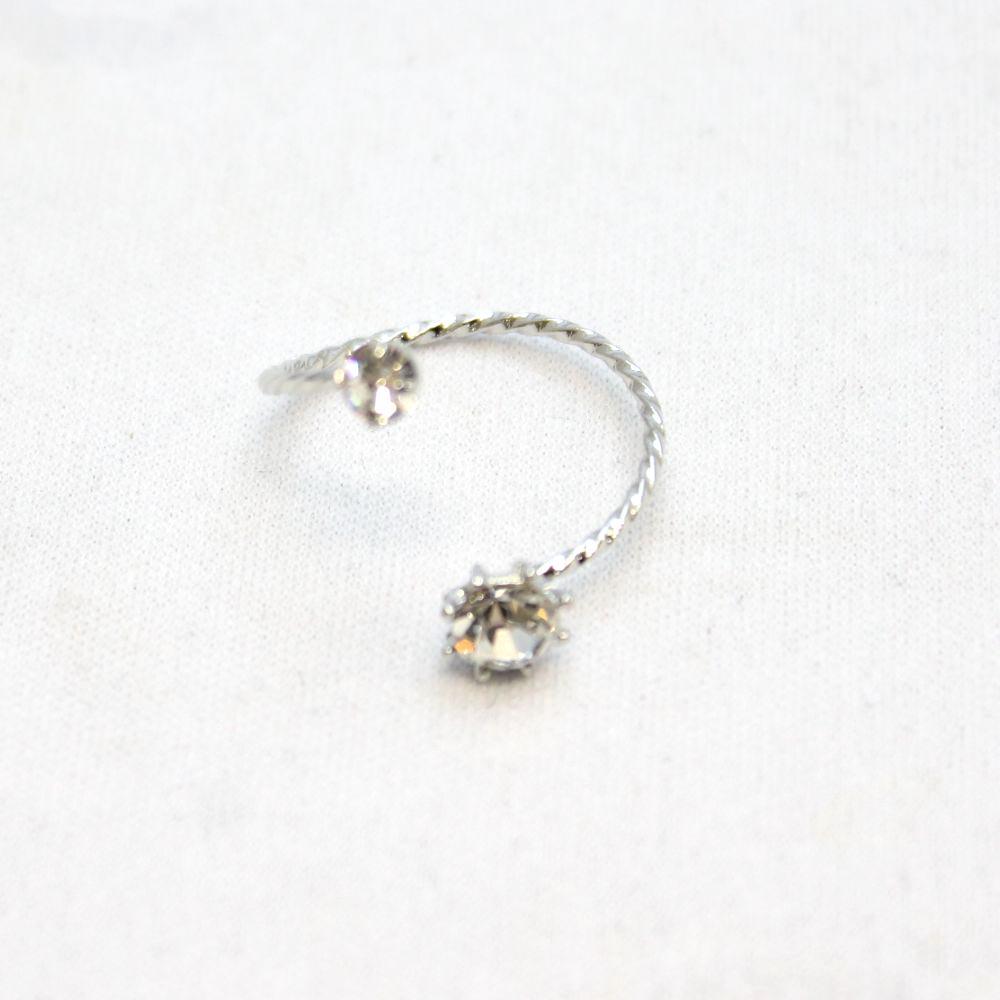 ラインストーンのデザインリング 指輪