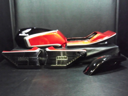 S-837◆CBX400F用◆純正風ペイント外装デュアルカウル&ステージ付き◆黒×赤 �型