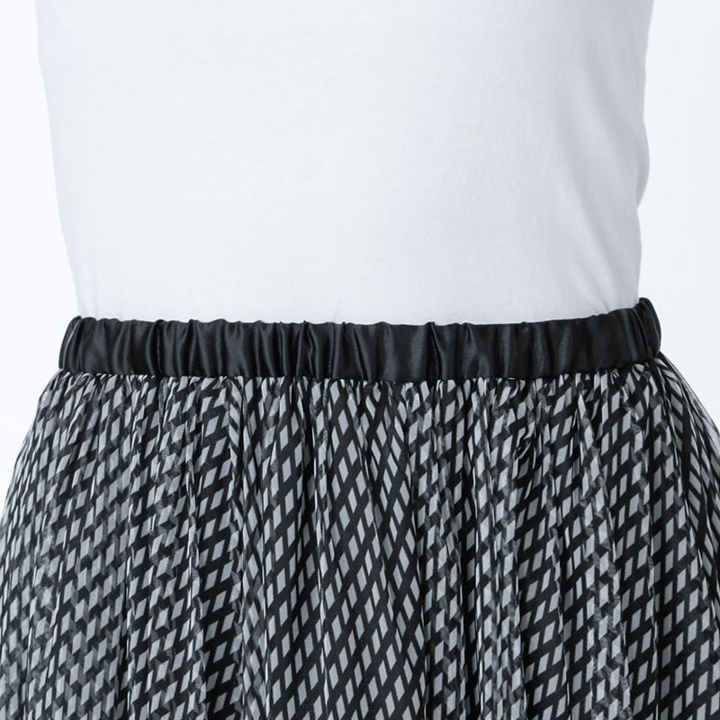 【銀座マギーオリジナル】ロープ 幾何学柄 チュール スカート[全2色]