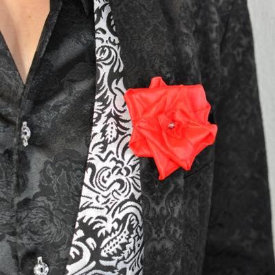 ハンカチと薔薇