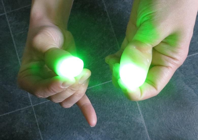 Glowing Thumbs Trick(お買い得ディライト)