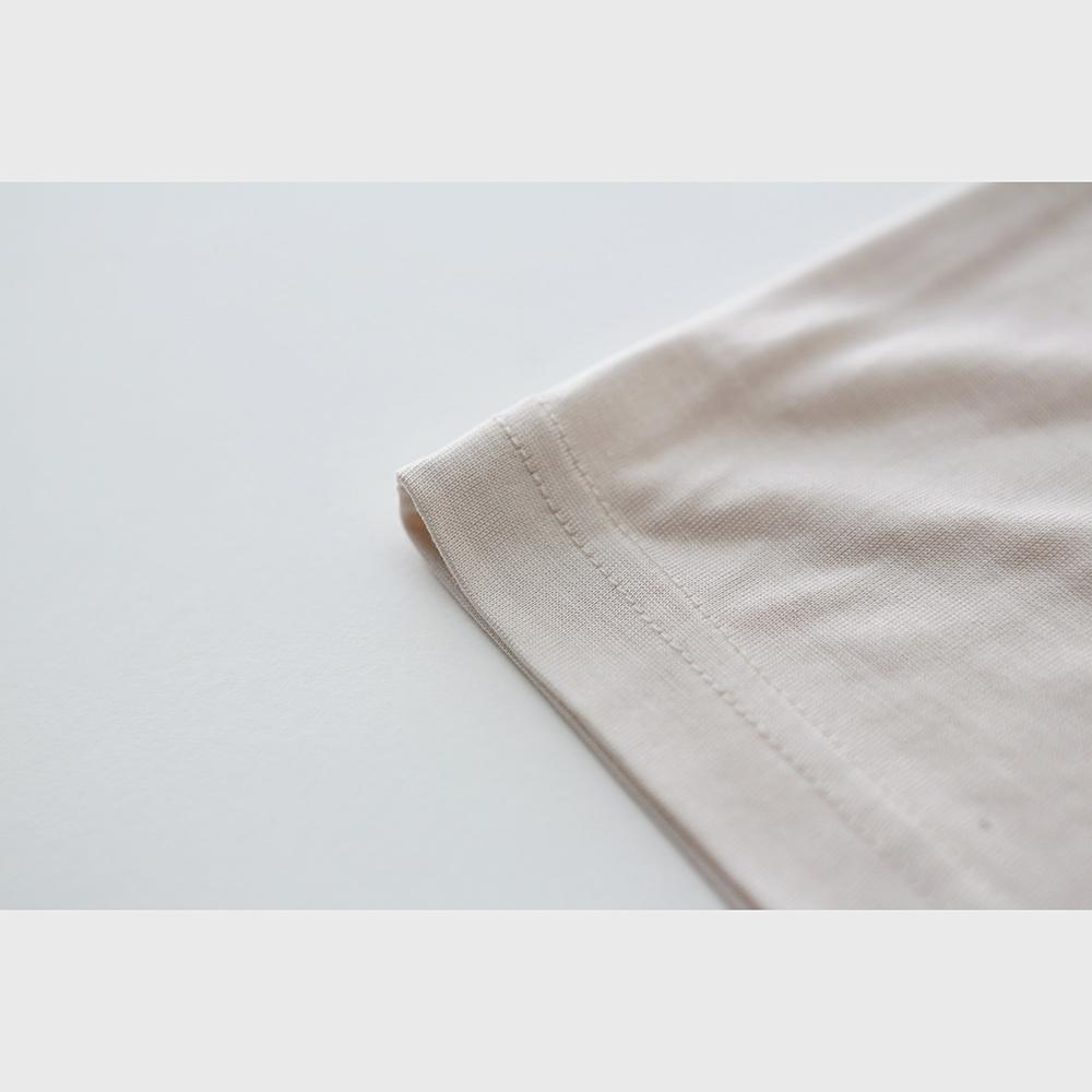 シルク100% タートルネック長袖