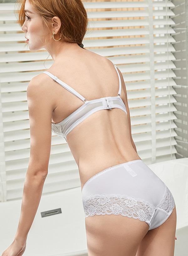 フラワー刺繍高品質下着セット(ホワイト)《かわいいコスプレランジェリー》【Malymoon/マリームーン】【2690-2】