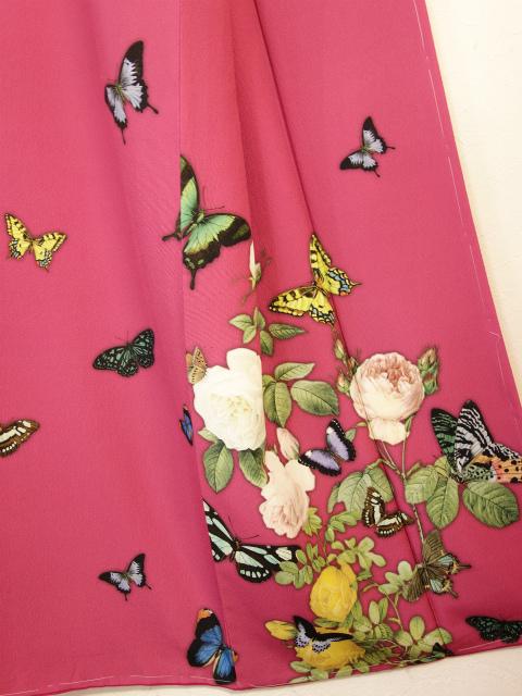 訪問着「薔薇と蝶のワルツ」 ローズ【Lサイズのみ/店頭在庫/在庫限りで終了】