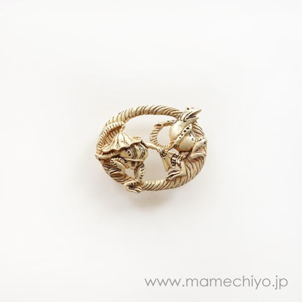 数-SUU(PalnartPoc) 帯留 鳥獣戯画 蛙の田楽【店頭在庫】