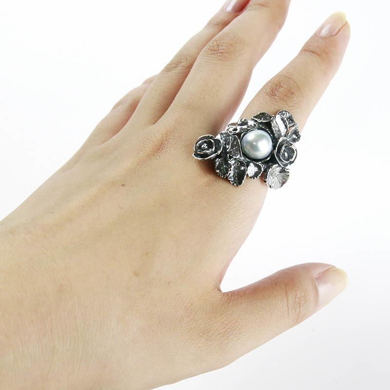 澄んだ透明感のナチュラルブルーパールの個性溢れる指いっぱいの指輪。大珠10ミリ前後でゴージャスに【あこや真珠】【バロック真珠】