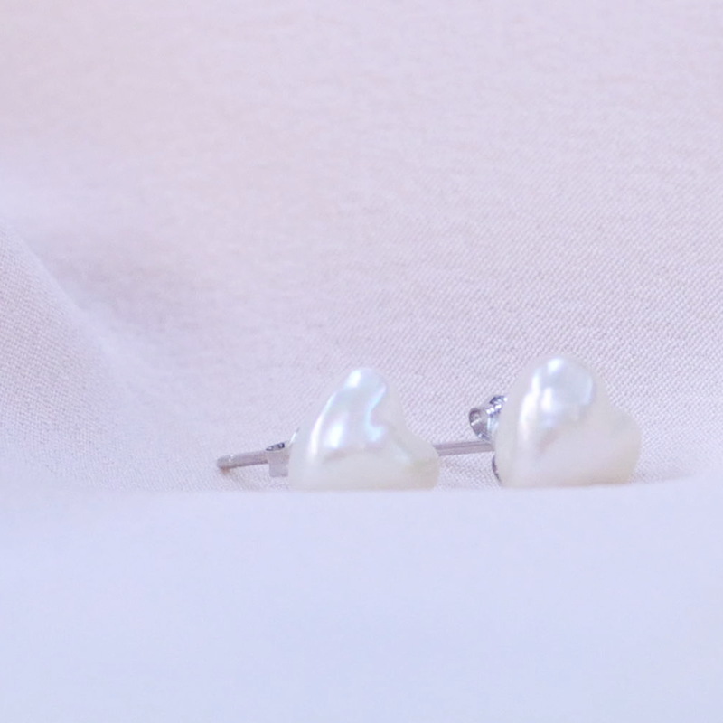 【ハートのあこや真珠】スタットタイプのピアス【あこや真珠】