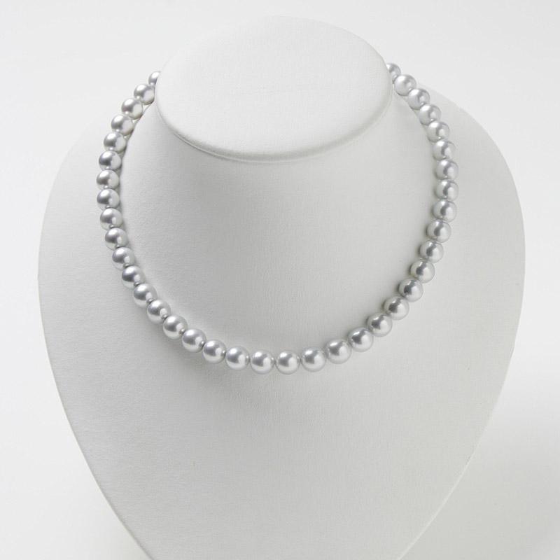 上級な輝き、明るさがでたグレー系パールの大粒8mm−9mmお値打ちネックレス 。不祝儀やお洒落使いにも活躍 40歳からの二本目やプレゼントにお勧め…お洒落な留め金マグピタ付き【あこや真珠】