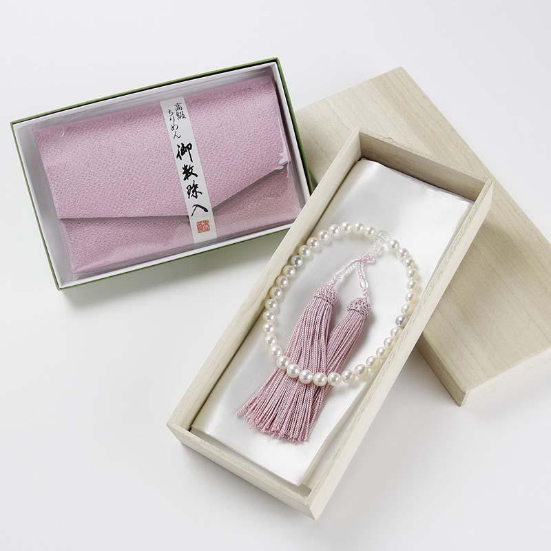 艶やかな輝き極上の艶照りホワイト系ピンク7mm-8mm 娘に持たせたいお念珠。桐箱・高級ちりめんケース付き 【あこや真珠】