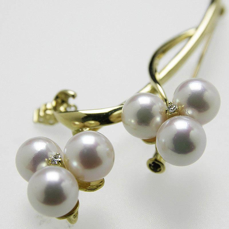 揺れるダイヤモンドもアクセントに魅惑のK18金製ブローチ。DXケース入り 一点物【あこや真珠】