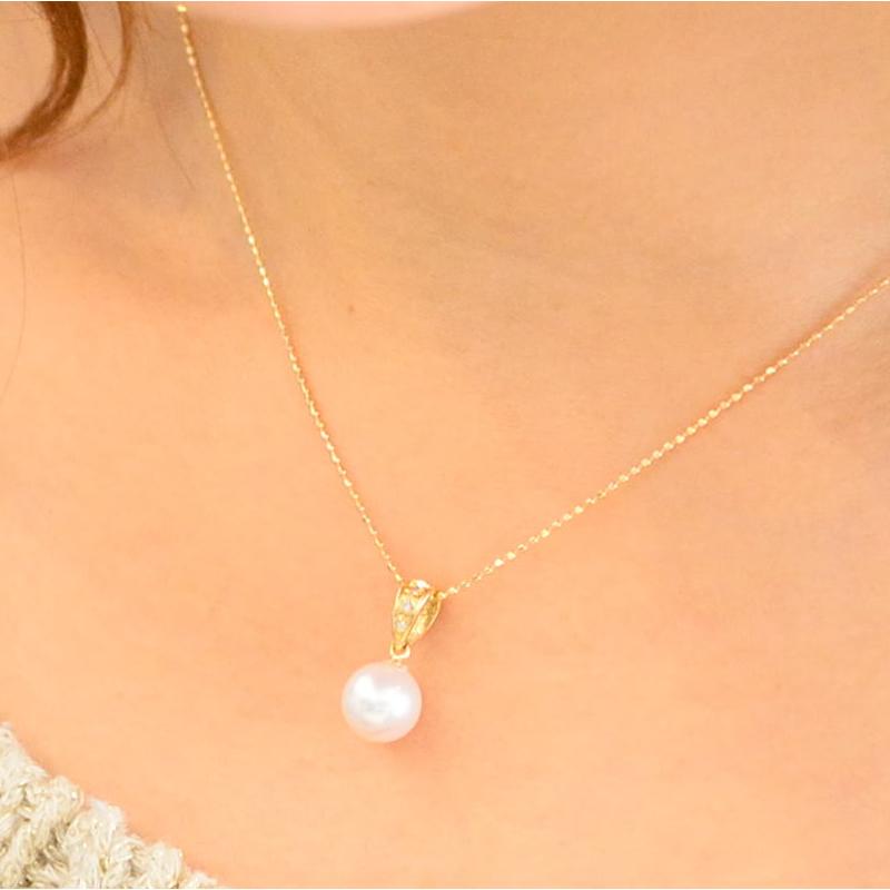 K18 珠玉7.8mmのパールとダイヤがアクセントのペンダント【あこや真珠】