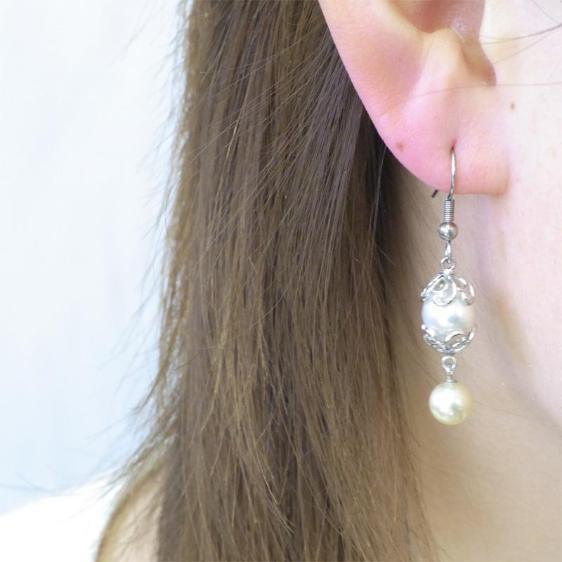 耳元優雅に揺れる魅惑のオリエンタルなピアス【あこや真珠】