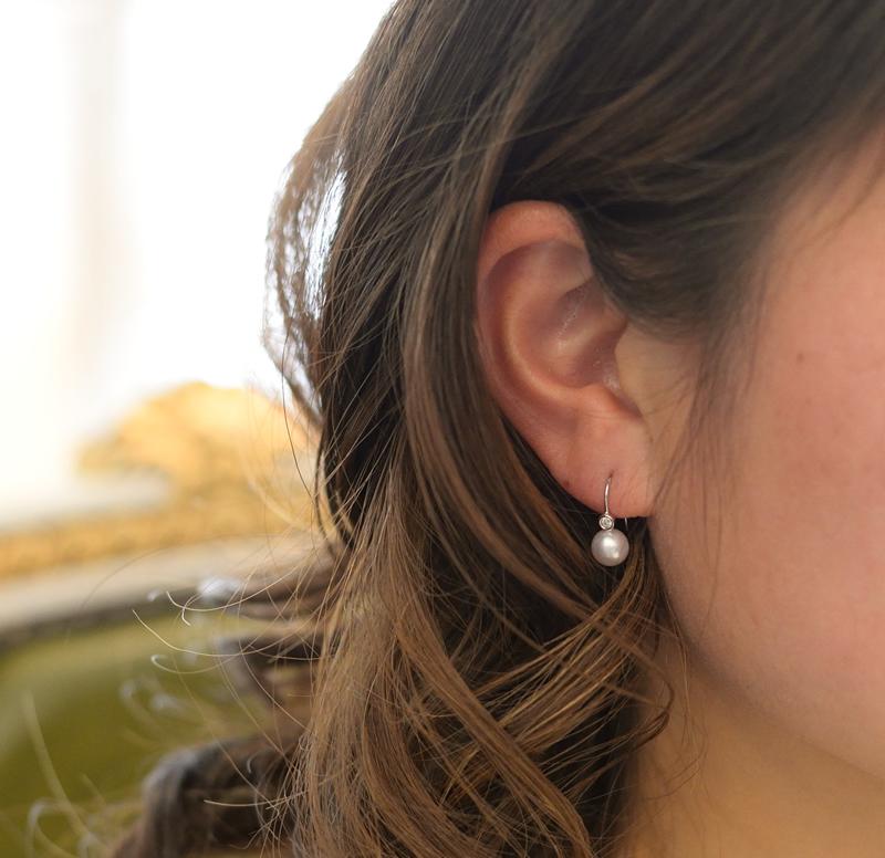一粒ダイヤと艶々6�パールのピアス K18WG  【あこや真珠】