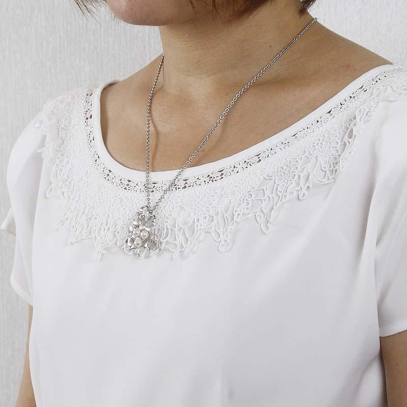 上質なベビーパール3粒が上品な使いやすい真珠のブローチ【あこや真珠】【再販】