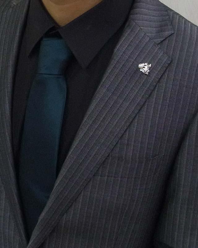 福を呼ぶラッキーアイテム カエル (福がカエル・お金がカエル)大切に育てた艶々の6ミリパールの高級SV製タックピン兼ラベルピン。プレゼントに話題性も抜群【あこや真珠】