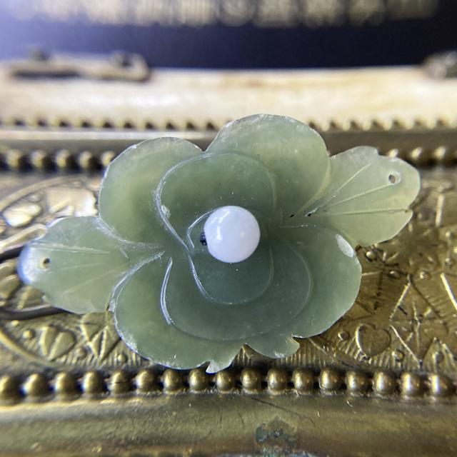 アンティーク碧玉のお花と翡翠の髪飾り