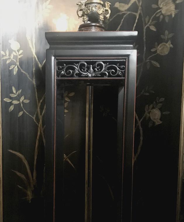 透かし彫刻の香台 2色あり 黒アンティーク仕上げ/ダーケストブラウン